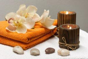 Strumenti da massaggio per un ambiente rilassante